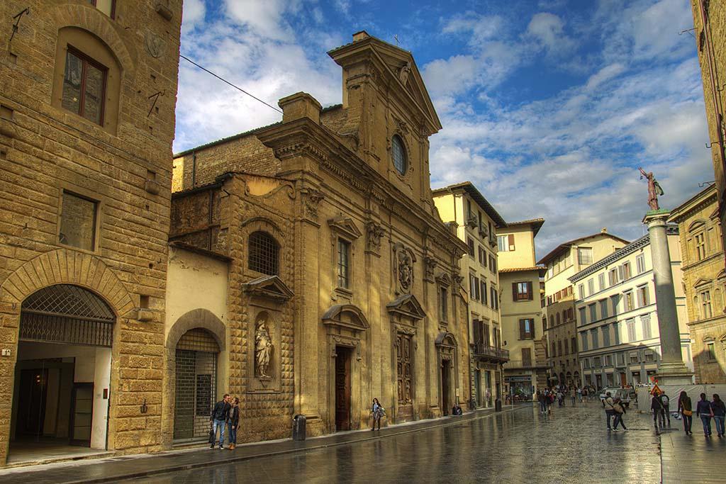 florence060-PiazzaSantaTrinita